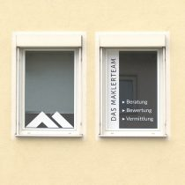 Fensterbeschriftungen, Fensterbeklebungen